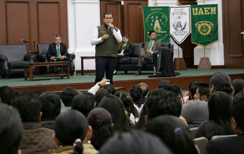 Ante universitarios, Juan Zepeda propone mmdp más para la UAEM