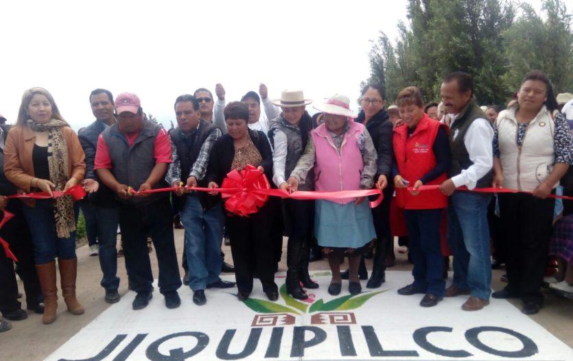Marisol González cumple 2 compromisos más en San Felipe Santiago, Jiquipilco