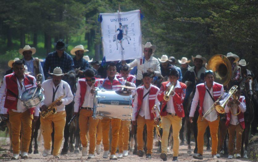 En Villa Victoria realizan cabalgata en honor a Santiago Apóstol