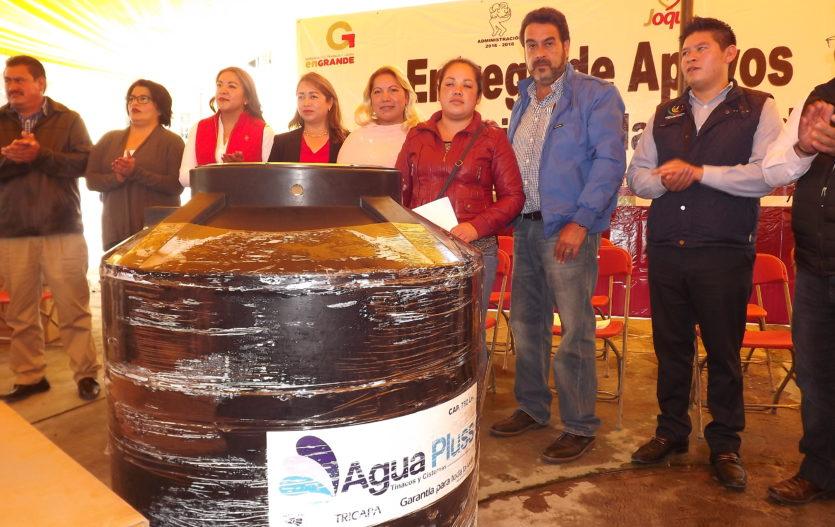 Familias de Joquicingo reciben apoyos a la vivienda