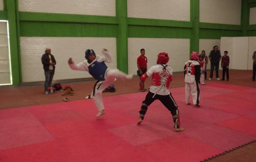 """Con deporte, Ocoyoacac conmemora """"Día Internacional de la Juventud"""""""