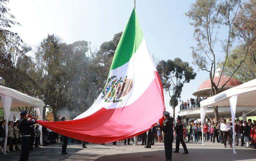 En Zinacantepec conmemoraron día de la Bandera Mexicana