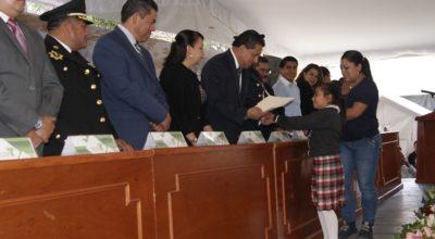 Becas a alumnos de excelencia de Tenancingo; y reconocimientos a instituciones solidarias por sismo 19S